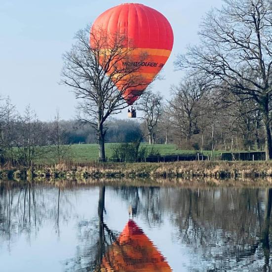 reflet du ballon sur la dombes